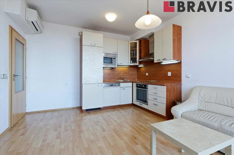 3 bedroom luxury maisonette apartment for rent, 80 square